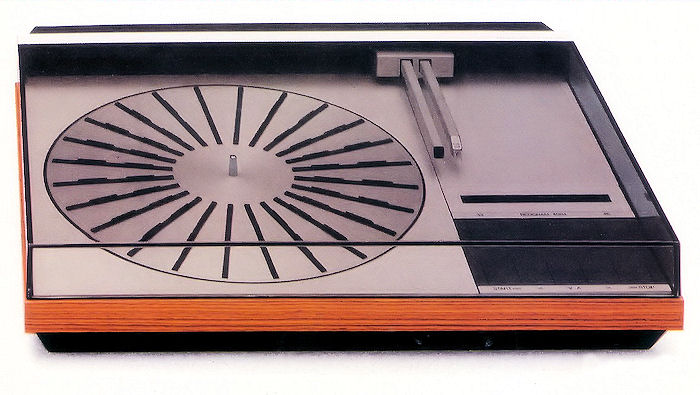 Photo of the Bang and Olufson Beogram 4004 Turntable,